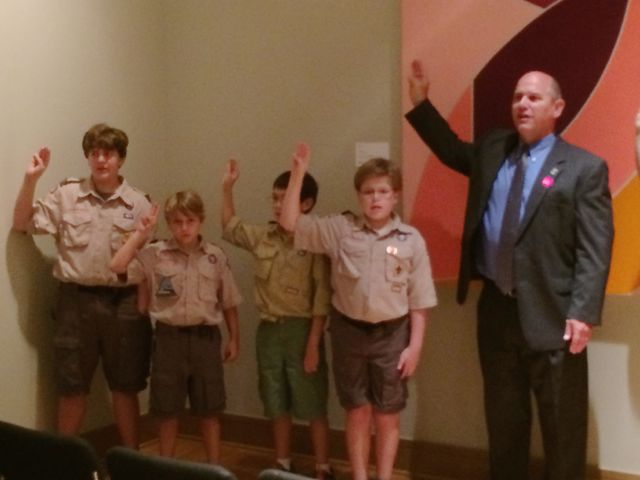 Scouts lead the pledge at Roundtable
